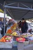 chiny wielki mur Mutianyu sprzedażny owoce Zdjęcie Royalty Free