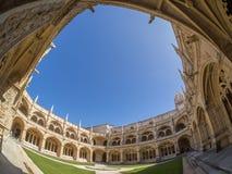Chioster do monastério de Jeronimos, Lisboa, Portugal Fotos de Stock Royalty Free