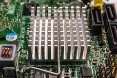 Chip de computador sob o radiador Fotografia de Stock Royalty Free