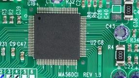 Chip de ordenador en tarjeta de circuitos Imágenes de archivo libres de regalías