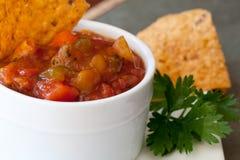 Chip della salsa e del chipotle del mango della pesca Fotografie Stock
