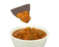 Chip e salsa di tortiglia blu del cereale Fotografia Stock Libera da Diritti