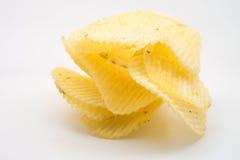 chiper isolerade potatiswhite fotografering för bildbyråer