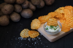 Chiper på tabellen Arkivfoto
