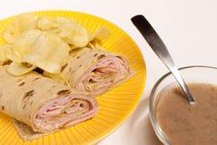 chiper rullande smörgås Royaltyfri Foto