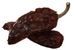 Chipotle дым-высушил перцы jalapeno, пути стоковые изображения