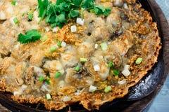 Chips gebratener Austernpfannkuchen Stockbilder