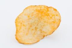 Chips med paprica på en vit bakgrund Arkivbilder