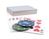 Chips und Karten für einen Poker Lizenzfreies Stockbild