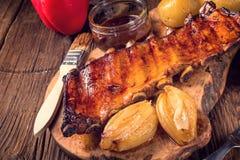 Chipsy piec na grillu ziobro obrazy stock