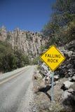 chiricahua落的山晃动符号 免版税库存照片