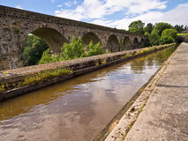 Chirk l'aqueduc et le viaduc images libres de droits
