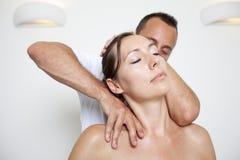 Chiropractic προσοχή Στοκ φωτογραφία με δικαίωμα ελεύθερης χρήσης
