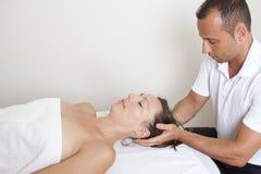 Chiropracticterapi Arkivfoto