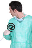 Chirurg met e-mailsymbool Royalty-vrije Stock Fotografie
