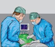 Chirurgen in een werkend theater Stock Foto's