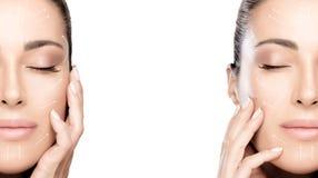 Chirurgia e concetto antinvecchiamento Un primo piano di due ritratti del fronte di bellezza Donna della stazione termale del fro immagini stock libere da diritti