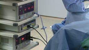 Chirurgisch materiaal in werkende ruimte stock video