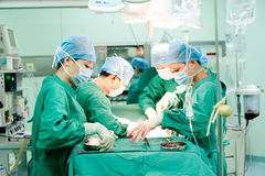 Chirurgische Operation lizenzfreie stockbilder