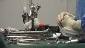 Chirurgische verpleegster stock videobeelden