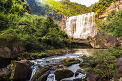 Chishui tem montanhas bonitas, cenário bonito, a cobertura da floresta, que está na província de Guizhou Imagens de Stock Royalty Free