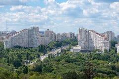 Chisinau, республика Молдавии - 17-ое июня 2016: взгляд от крыши города Chisinau, республики Молдавии Стоковое фото RF
