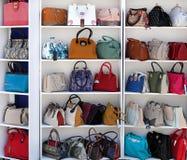 Chisinau, Moldau am 25. Mai Lederwaren Ausstellung, Handtaschen, Lizenzfreie Stockfotografie