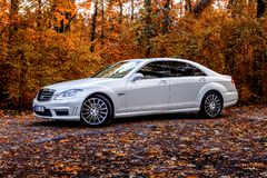 Chisinau, Moldova; 11 de outubro de 2017 Festival do clube de Mercedes-Benz em Moldova Classe W221 de Mercedes-Benz S Foto editor imagens de stock royalty free
