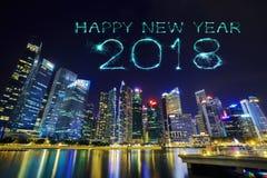 Chispa del fuego artificial de la Feliz Año Nuevo 2018 con distr centrales del negocio Imagenes de archivo