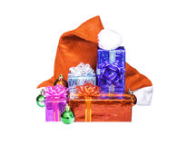 Chistmas prezenta pudełko z Święty Mikołaj czerwonym kapeluszem odizolowywającym Obrazy Royalty Free