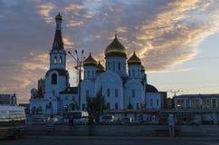 Chita, RU - julho 17,2014: Catedral de nossa senhora de Kazan no nascer do sol A igreja principal da cidade Fotos de Stock Royalty Free