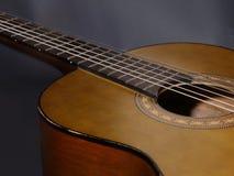 Chitarra acustica d'annata Immagini Stock