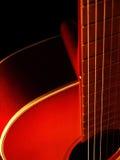 Chitarra acustica su priorità bassa nera 6 Fotografia Stock