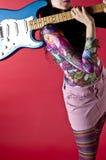 Chitarra del pulcino del Hippie Immagine Stock Libera da Diritti