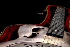 Chitarra di chitarra resofonica nel caso Fotografie Stock Libere da Diritti