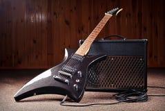 Chitarra elettrica e combos Fotografie Stock
