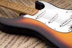 Chitarra elettrica e musica di strato Immagini Stock Libere da Diritti