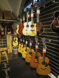 Chitarre classiche su esposizione Fotografie Stock