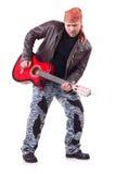Chitarrista della chitarra acustica che gioca i particolari Fotografia Stock