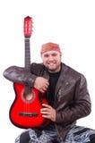 Chitarrista della chitarra acustica che gioca i particolari Fotografia Stock Libera da Diritti