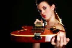 Chitarrista sexy immagini stock libere da diritti