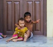 chitwan的孩子,尼泊尔 免版税库存图片