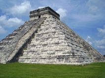 Chitzen-itza pyramid Stock Photos