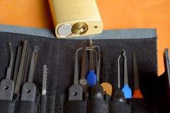 Chiuda gli strumenti a chiave di raccolto Immagini Stock
