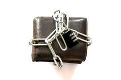 Chiuda la borsa a chiave di cuoio con la catena chiave Immagine Stock Libera da Diritti