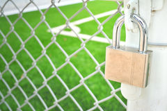 Chiuda la porta a chiave del metallo Fotografia Stock