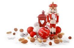 Chiuda su Brown, su argento e sugli oggetti rossi di Natale Fotografia Stock