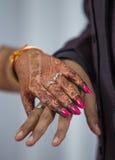 Chiuda su degli anelli di fidanzamento Immagini Stock Libere da Diritti
