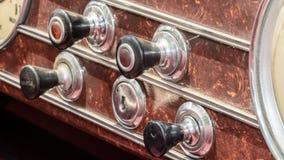 Chiuda su dei bottoni d'annata dell'automobile Fotografie Stock Libere da Diritti