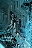Chiuda su dei circuiti elettronici sul bordo di logica del fondo del computer della tecnologia di mainboard, la scheda madre del  immagini stock